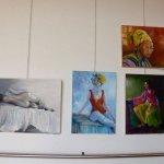 אורה גלאון בתערוכת תלמידי מירי לביא