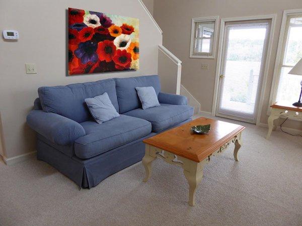 Anemone-flower-painting-interior-Miri-Lavee;