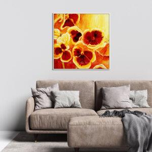 תמונת פרחים לסלון כובע הנזיר
